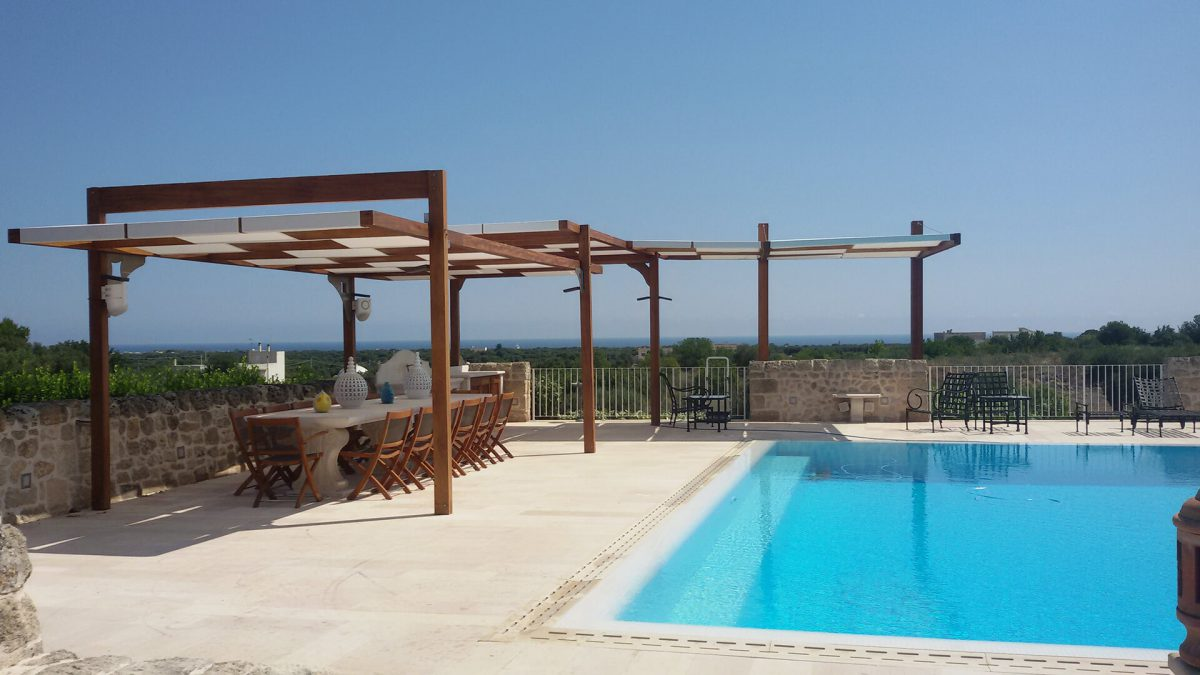 gazebo e copertura bordo piscina realizzati da Tappezzeria Giuseppe Petracca